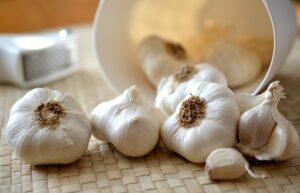 Foods That Lower Cholesterol Fast - Garlic