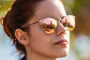 How to Make Your Eyes Look Brighter Without Makeup - sun glasses