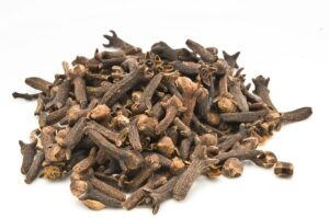 home remedies for bad breath - clove