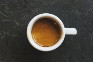 overcome caffeine addiction - cup of coffe