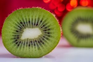 vitamins for healthy eyes - kiwi