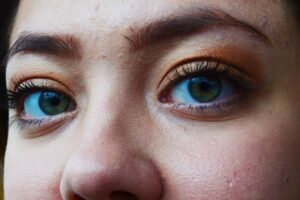 which type of eyeliner - upturned