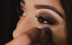 eye makeup for brown eyes -Try bronze shades