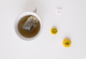 allergic reaction to lash extensions - tea bag