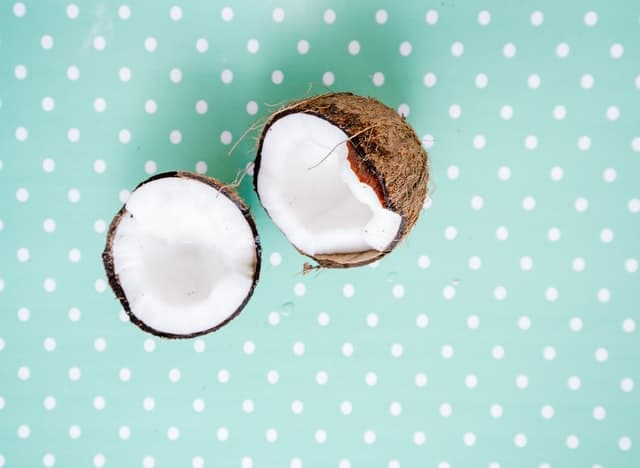how to care for eyelash extensions - coconut