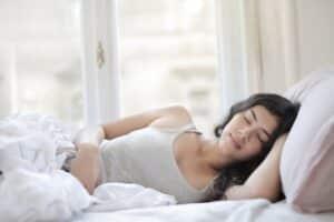 natural remedies for swollen eyes - Choosing a pillow