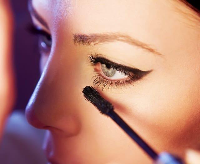 How to make eyes look slanted