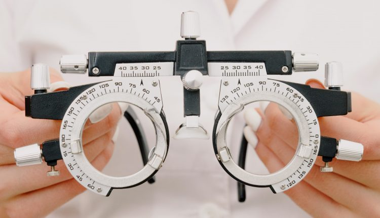 How to Become an Optometrist – Job Opportunities